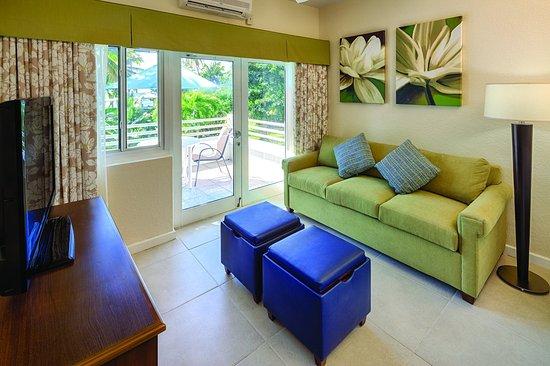 Bluebeard's Beach Club and Villas: One bedroom condo living area
