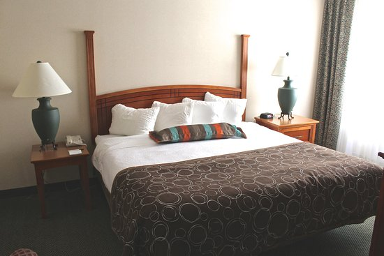 Staybridge Suites Grand Rapids/Kentwood: Extended Stay Two Bedroom King/Queen Suite