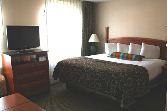 Staybridge Suites Grand Rapids/Kentwood: King Studio Extended Stay Guest Room