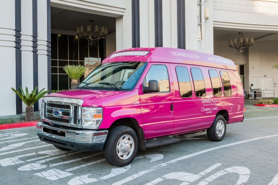 Crowne Plaza Los Angeles - Commerce Casino: Complimentary transportation within a 10 mile radius of the hotel
