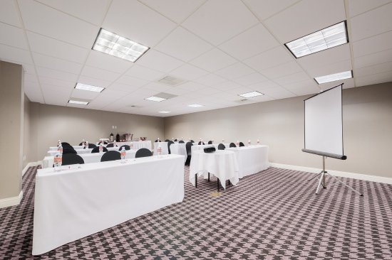 Crowne Plaza Los Angeles - Commerce Casino: Creative planning, enhanced by comfortable decor in meeting space