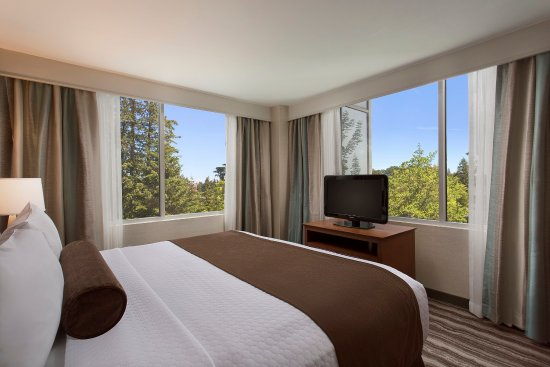 Lake Oswego, OR: Suite