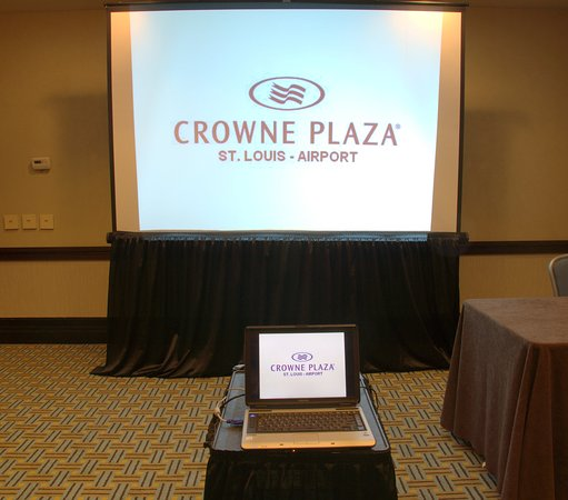 Crowne Plaza St Louis Airport