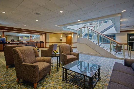 Crowne Plaza Hotel Philadelphia - King of Prussia : Relax prior to your event in our Pre-function Area