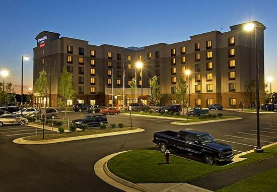 SpringHill Suites Dulles Airport: Exterior