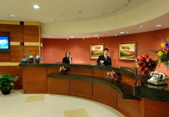 SpringHill Suites Dulles Airport: Lobby