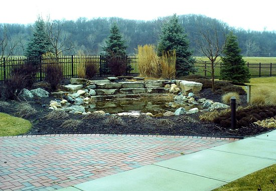 Courtyard Dayton-University of Dayton: Outdoor Space