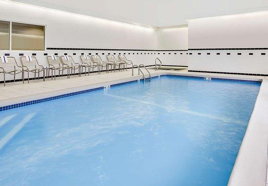 Manhattan, KS: Indoor Pool