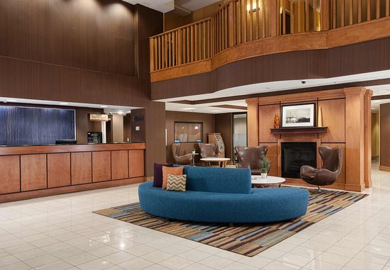 Fairfield Inn & Suites Atlanta Airport South/Sullivan Road: Lobby / Front Desk
