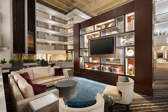 Embassy Suites by Hilton Atlanta - Airport
