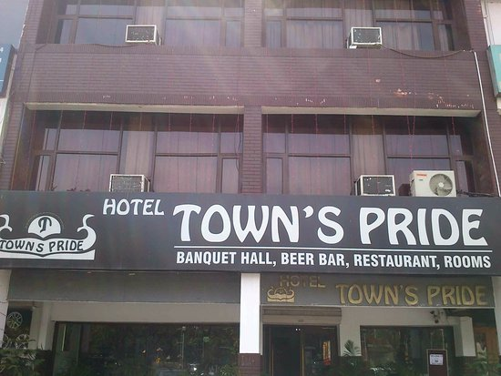 Towns Pride Hotel