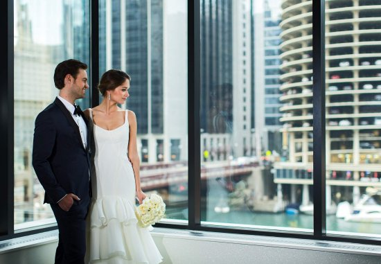 Renaissance Chicago Downtown Hotel: Looking Glass Ball Room Weddings