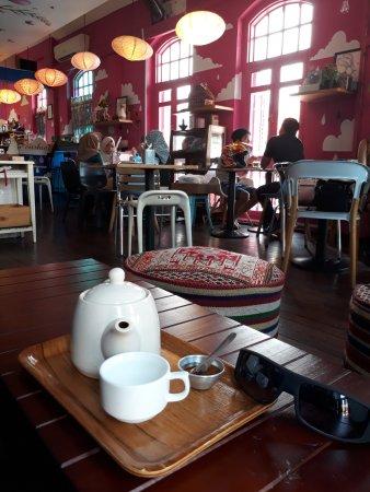 La Marelle Boutique Cafe Review