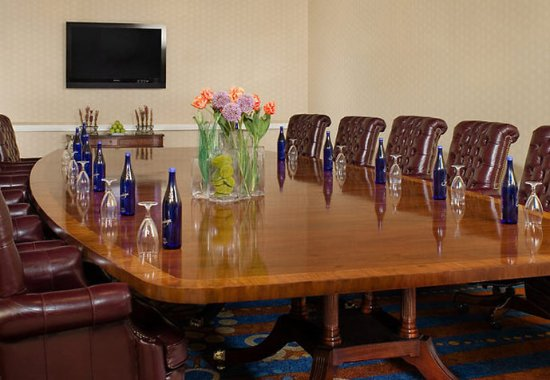 Renaissance Portsmouth-Norfolk Waterfront Hotel: Washington Boardroom