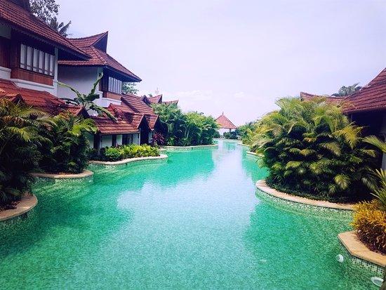 Meandering Pool Villas Picture Of Kumarakom Lake Resort Kumarakom Tripadvisor