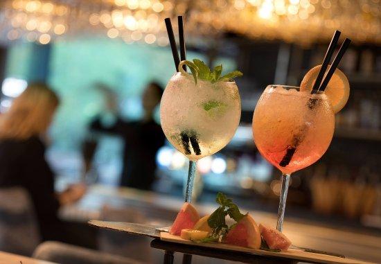 La Defense, France: Cocktails - Bar