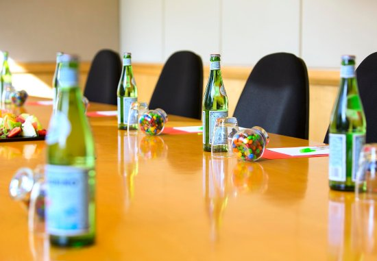 North Ryde, ออสเตรเลีย: Meadowbank Meeting Room - Details