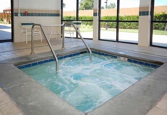 Merced, Kalifornien: Indoor Whirlpool