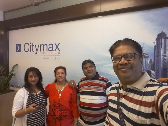 Citymax Hotels Bur Dubai: photo from hotel enterance lobby area