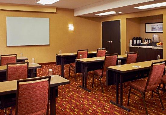 Highland Park, IL: Meeting Room