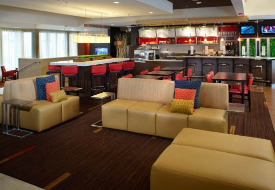 Oakbrook Terrace, إلينوي: The Bistro