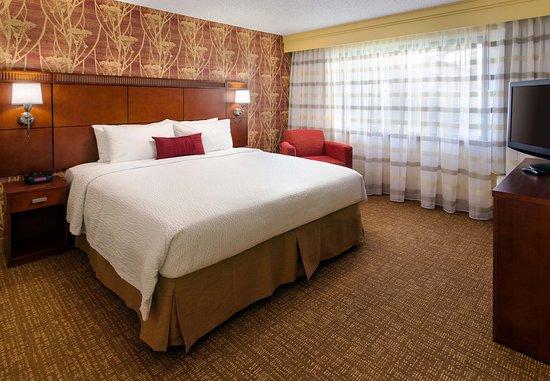 San Bruno, CA: King Suite