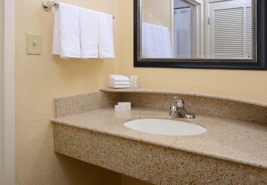 Irving, TX: Bathroom Vanity