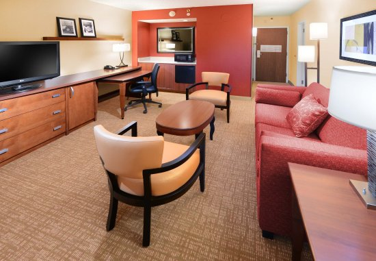 Irving, TX: Suite Living Room