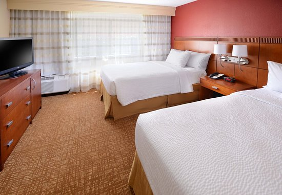 Irving, TX: Double/Double Suite Bedroom