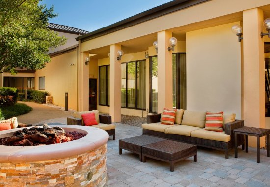 Irving, TX: Outdoor Fire Pit