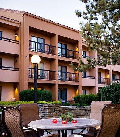Courtyard Dallas Richardson at Spring Valley