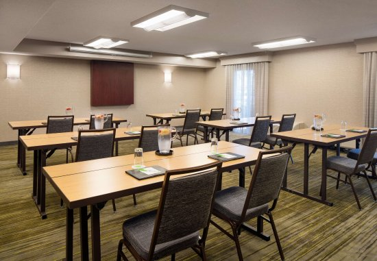 Foster City, CA: Meeting Room - Classroom Set-up