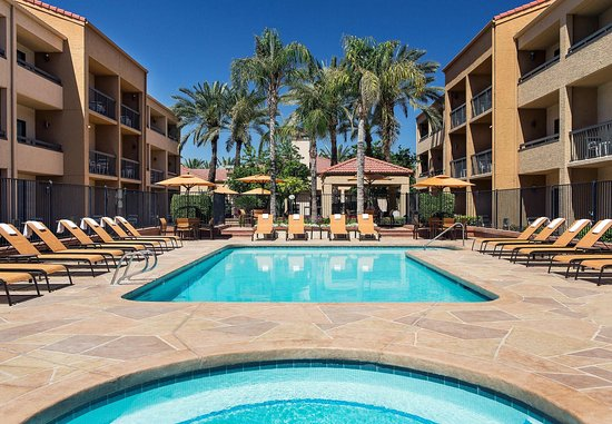 Courtyard Phoenix Mesa: Outdoor Pool & Hot Tub
