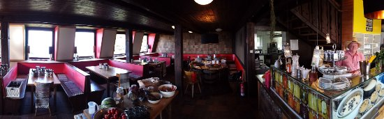 Bischofsmais, Germany: Nice & cosy... (you don't see it but the cakes and sausages are great :-) )