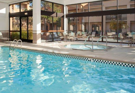 Warren, MI: Indoor Pool & Hot Tub