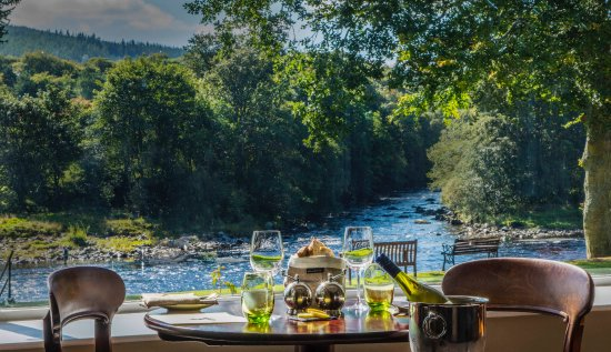 Banchory, UK: View out to River Dee from restaurant