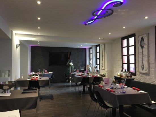 Remagen, Deutschland: Das neu gestaltete Restaurant - traumhaft schön und edel