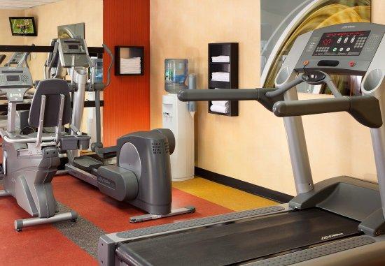 Courtyard Newark Liberty International Airport : Fitness Center