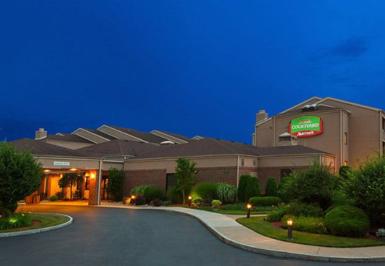 Welcome to Courtyard by Marriott Rochester Brighton.