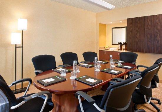 Laguna Hills, CA: Boardroom
