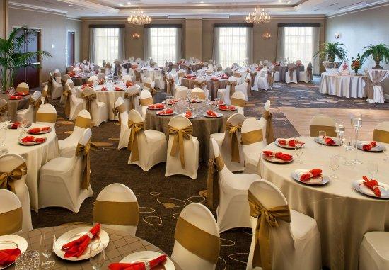 Courtyard Tacoma Downtown: Cascade Ballroom   Wedding Setup