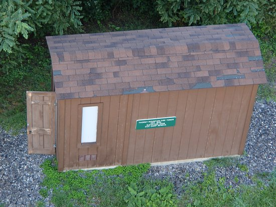 Dunmore, Virginia Occidental: Well...you can't really call it a bathroom, but there is a pit latrine, a locking door. Its clea