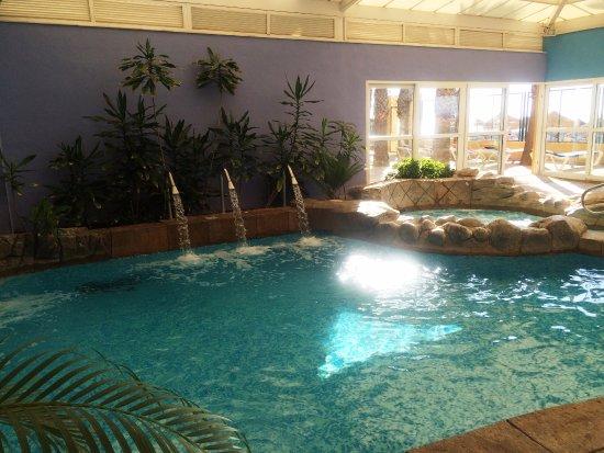 Playabonita hotel desde benalm dena espa a for Piscinas cubiertas malaga