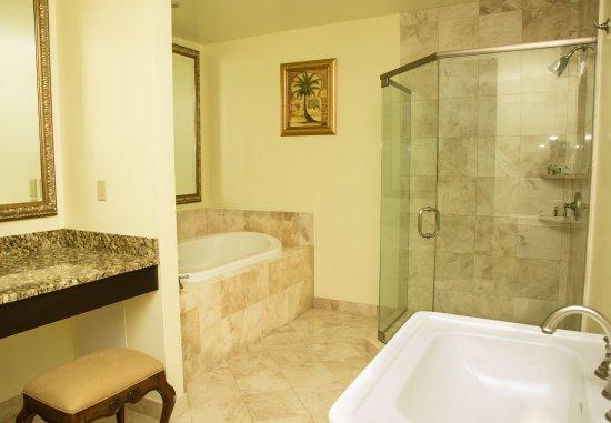 Jensen Beach, FL: Governor Suite - Bathroom