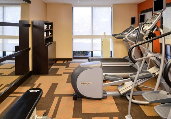Brown Deer, วิสคอนซิน: Fitness Center - Cardio Equipment