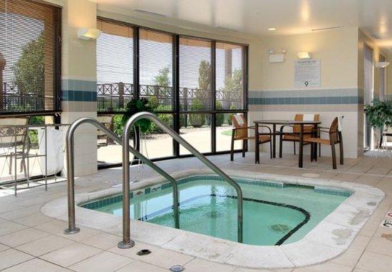Salina, KS: Indoor Whirlpool
