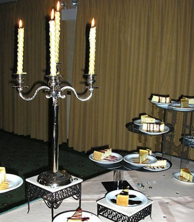 Courtyard Salina: Wedding Dessert Table
