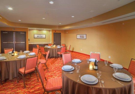 Medford, Oregon: Meeting Room   Banquet Set-Up