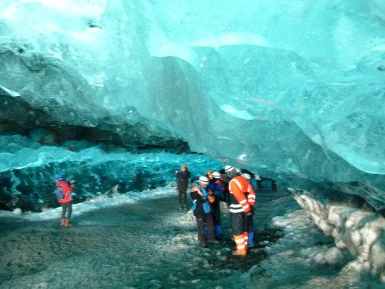 Hofn, Islandia: blaue Eishöhle