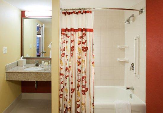 Suite Bathroom Picture Of Courtyard Virginia Beach Oceanfront